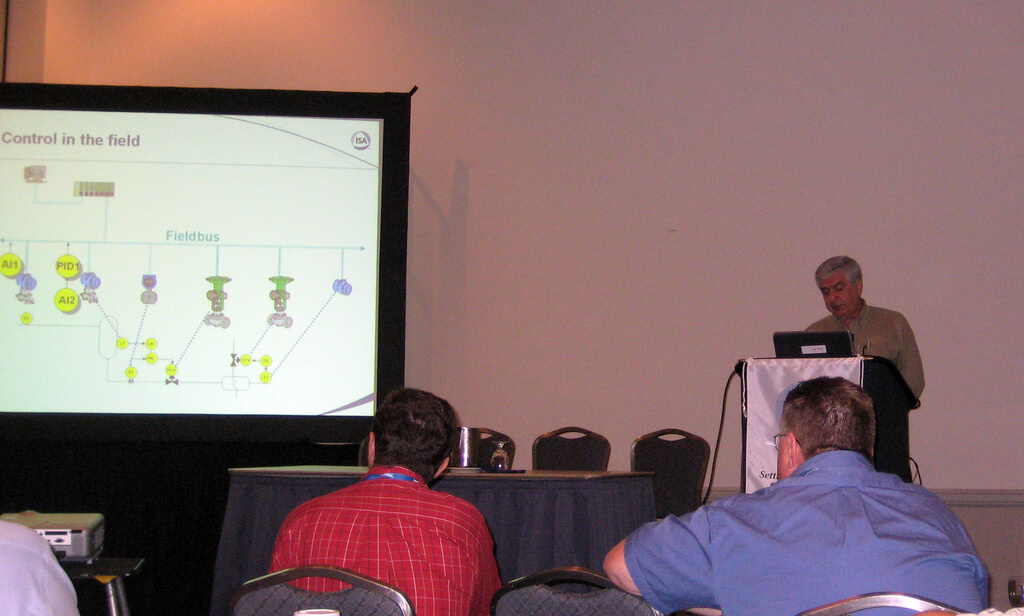 Marcos Peluso presents Foundation Fieldbus Benefits at ISA Expo 2007